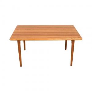 Dining Table Niels Otto Møller in Massive Oak Model 24A
