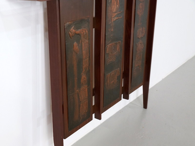 1970s Italian Wall Coat Rack with in Brass Impressed Art Figures