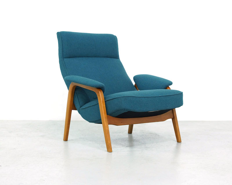 Artifort lounge chair Mod. 137 by Theo Ruth