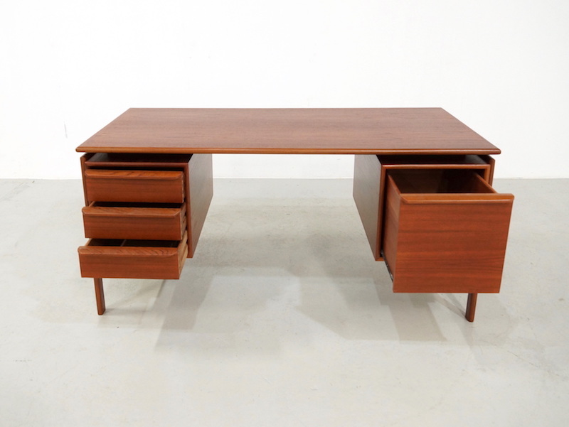 Danish teak desk designed by GV Gasvig for GV Møbler