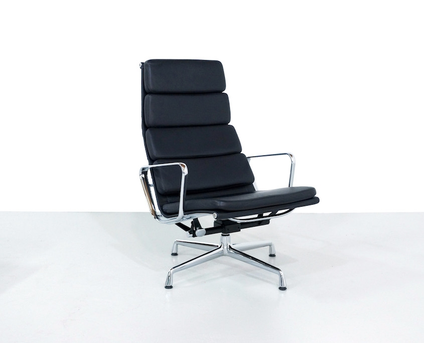 Eames EA 222 Soft Pad Chair and Ottoman EA 223
