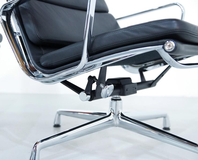 Eames EA 222 Soft Pad Chair and Ottoman EA 223
