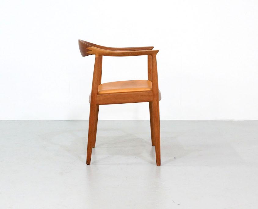 """""""The Chair"""" by Hans Wegner for Johannes Hansen"""
