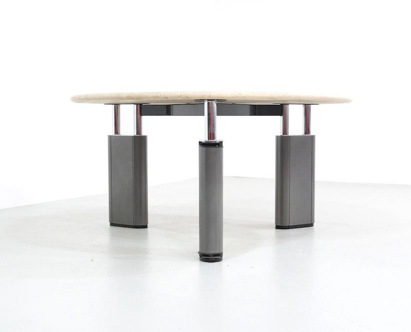 Round Tecno KUM Table by Gae Aulenti