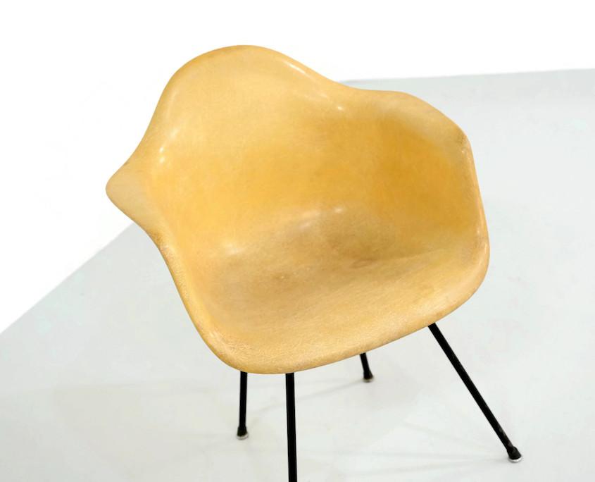 Zenith Miller Eames Chair on a Cross Base