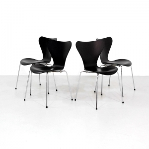 Black Arne Jacobsen 7 series 3207 Dining Chairs for Fritz Hansen