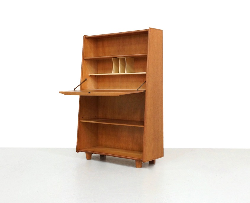 Kameleon Design | Pastoe BE04 Oak Series Secretary Cabinet by Cees Braakman