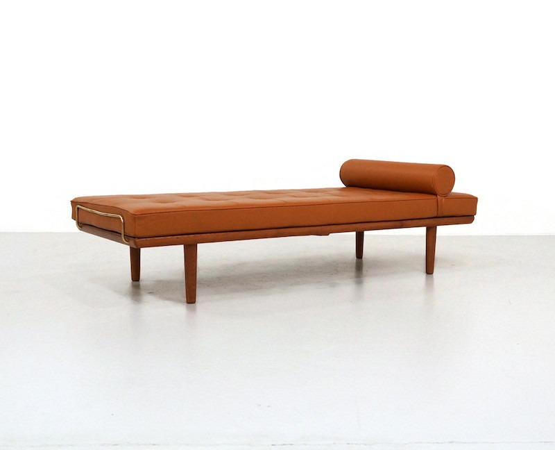 Kameleon Design | 1950 Danish Daybed by Hans Wegner for Getama