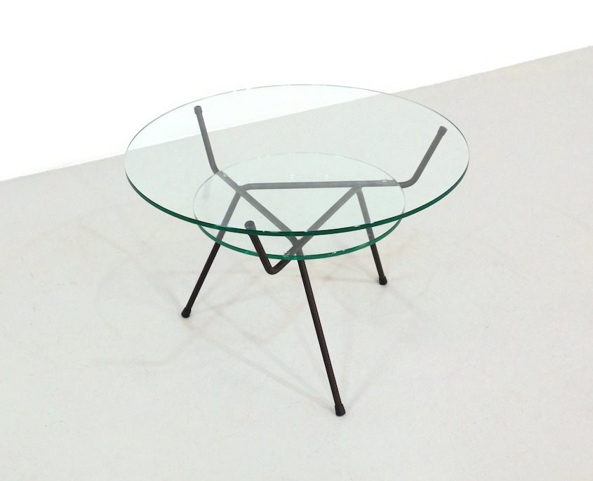 Tripod Coffee Table bij WH Gispen for Kembo