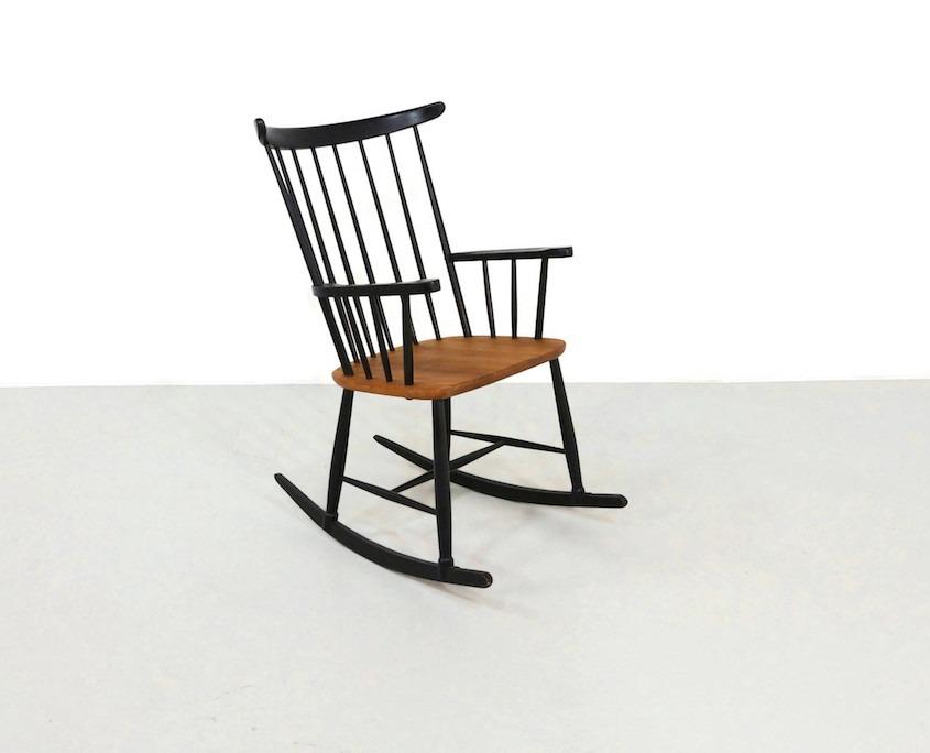 Vintage rocking chair in the style of IImari Tapiovaara