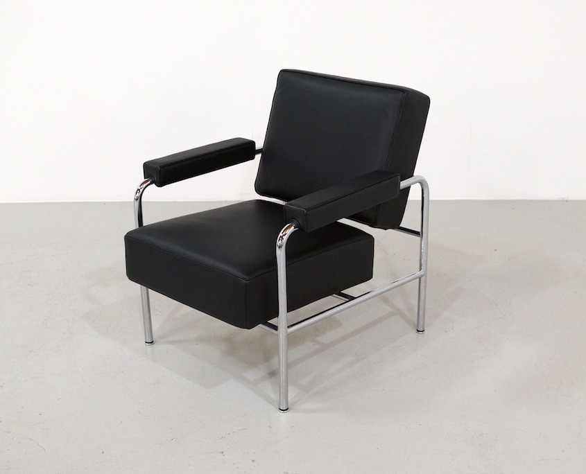 LC13 Wagon Fumoir Arm Chair by Le Corbusier for Cassina | Kameleon Design