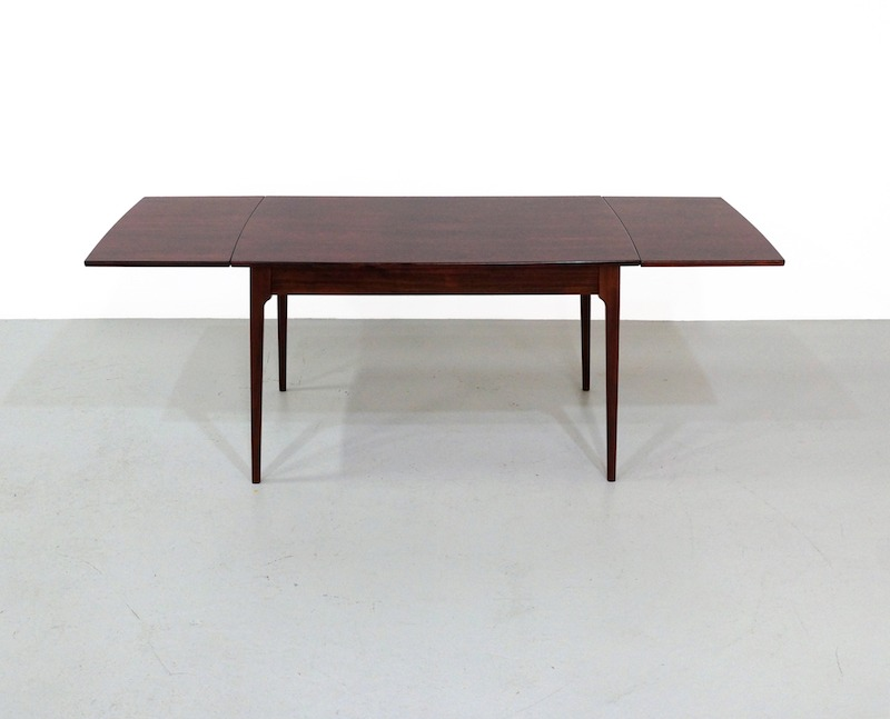 Mid-Century Extendable Rosewood Dining Table