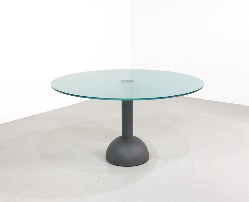 Calice Dining Table design Lella & Massimo Vignelli for Poltrona Frau ø 130 cm