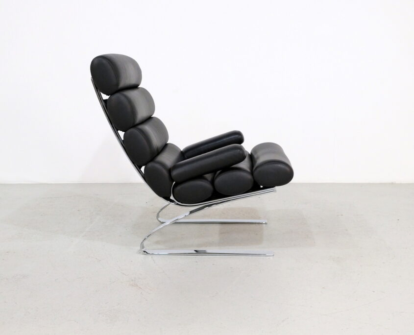 vintage COR Sinus lounge chair in black leather